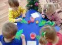 Малыши рисуют