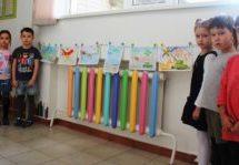 Выставка рисунков «100 памятных дней»